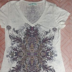 Pretty t-shirt by Maurices